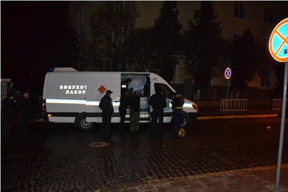 Стали відомі подробиці нічного вибуху на території консульства Польщі (ФОТО) (фото) - фото 3