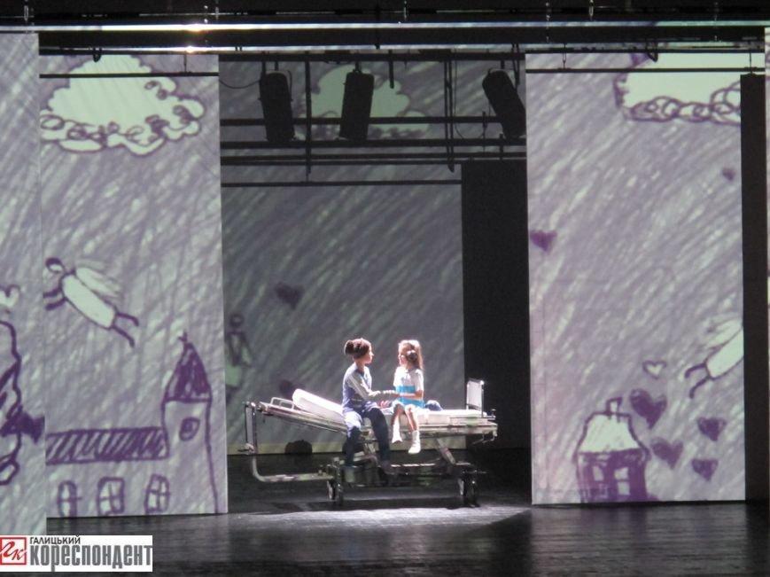 В Івано-Франківську відбулася прем'єра театрального арт-проекту «Оскар і Рожева пані», фото-4
