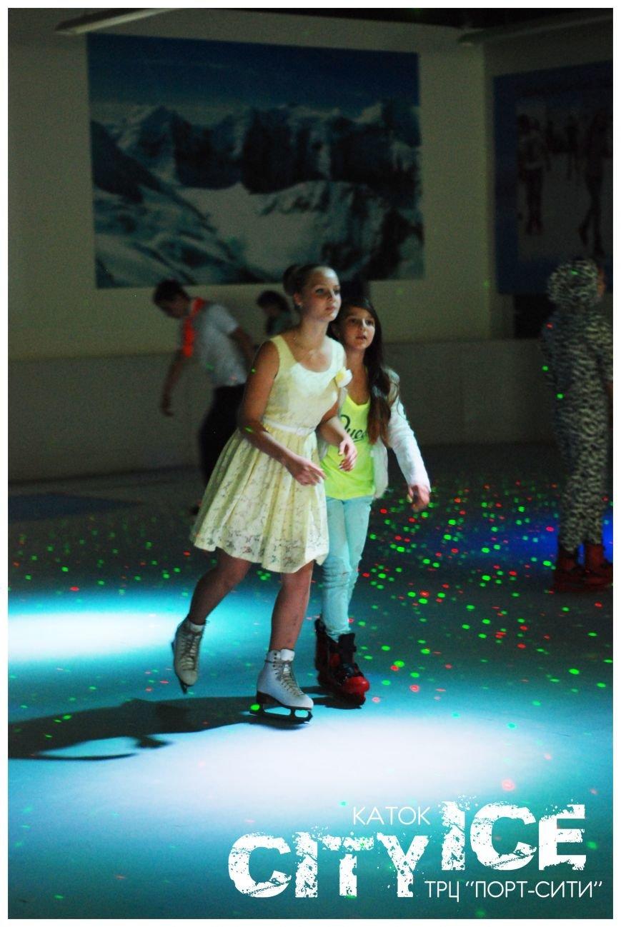 Фигурное катание и хоккей на настоящих ледовых коньках – даже летом и в любую погоду! (фото) - фото 1