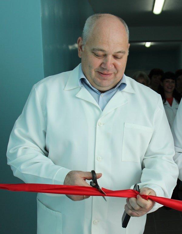 «Метинвест» потратил 1 миллион гривен на ремонт больницы в Краснодоне (ФОТО), фото-1