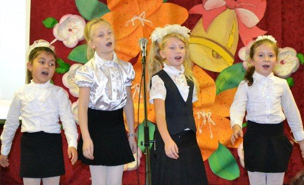 Для учителей школы №460 в поселке Ленсоветовский организовали и провели праздник (фото) - фото 4