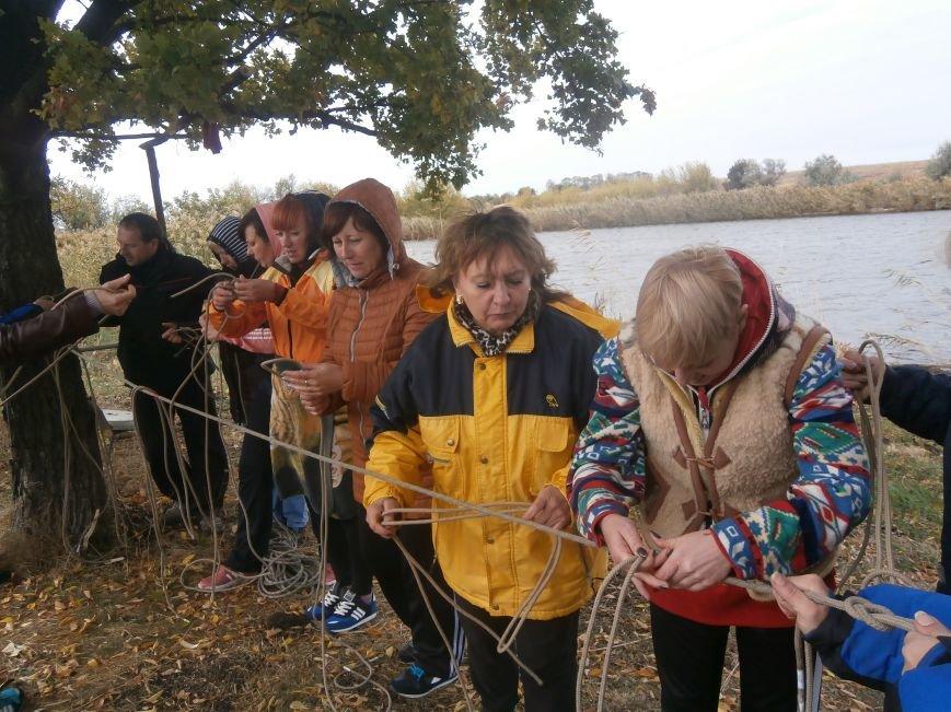 Добропольские физруки и военруки учились быть туристами (фото) - фото 1