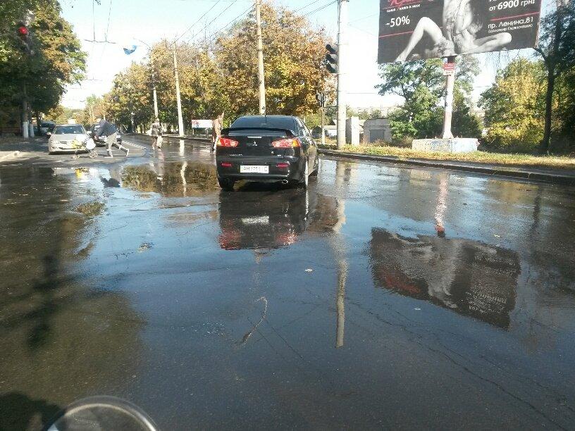 В Мариуполе питьевая вода затопила ул. Бахчиванджи (ФОТО), фото-3