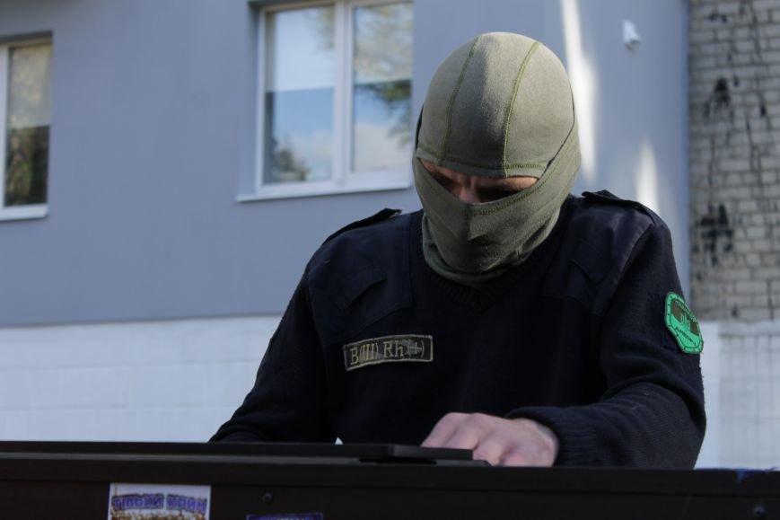Piano Extremist играл на улице для жителей Доброполья (ФОТО, ВИДЕО), фото-4