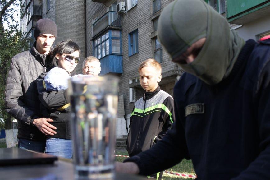 Piano Extremist играл на улице для жителей Доброполья (ФОТО, ВИДЕО), фото-6