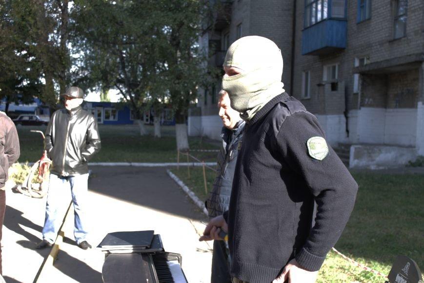 Piano Extremist играл на улице для жителей Доброполья (ФОТО, ВИДЕО), фото-2