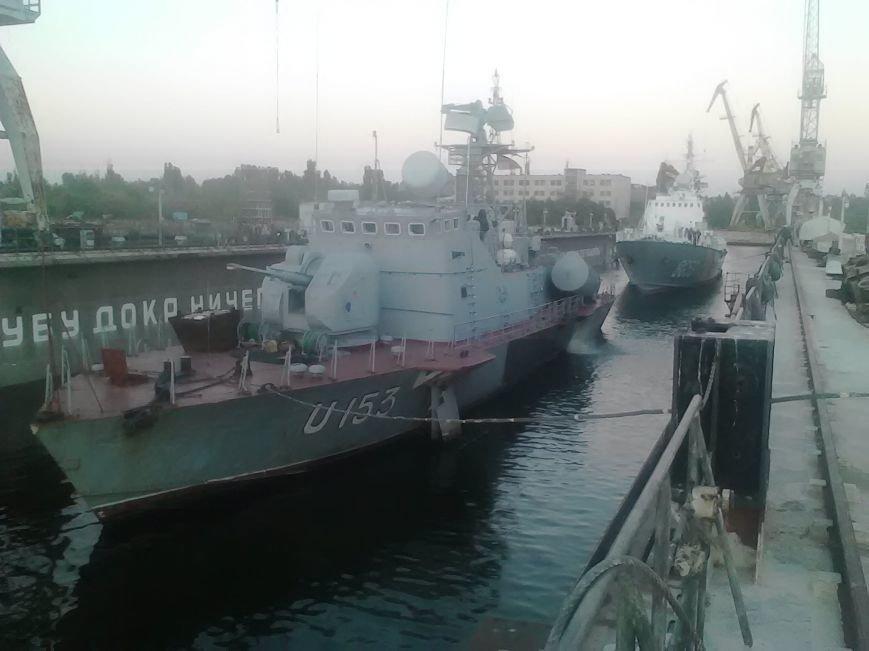 В Николаеве полным ходом идет ремонт ракетного катера и корабля морской охраны (ФОТО), фото-4