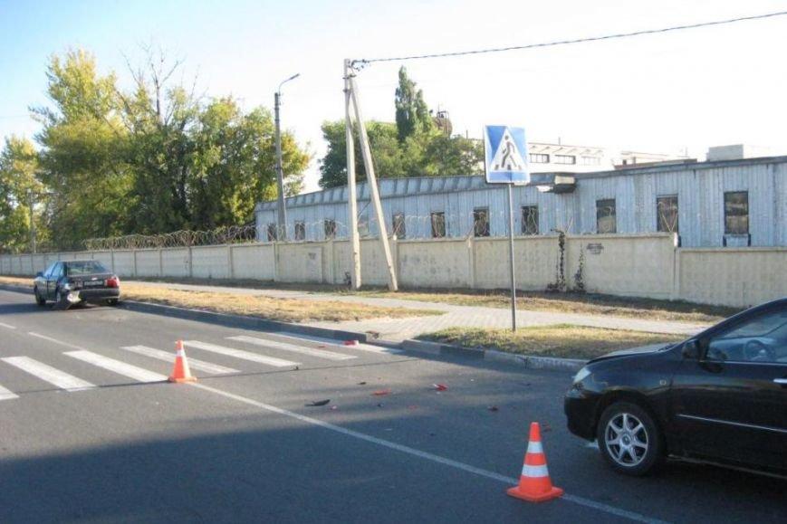 В Белгороде из-за столкновения двух машин пострадал пешеход (фото) - фото 1