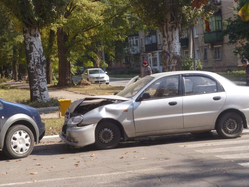 ДТП на главном проспекте Красноармейска - водители, будьте осторожнее! (фото) - фото 2