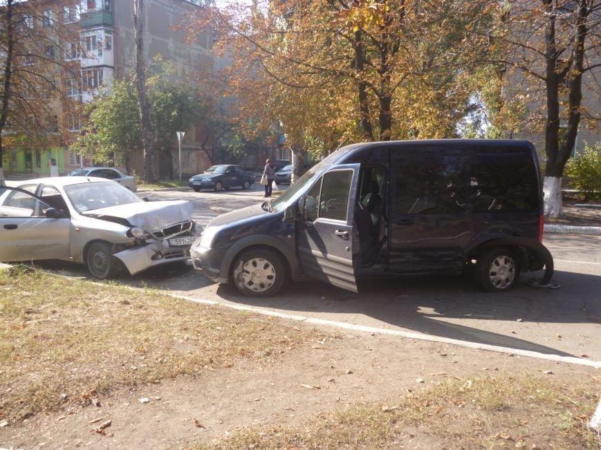 ДТП на главном проспекте Красноармейска - водители, будьте осторожнее! (фото) - фото 1
