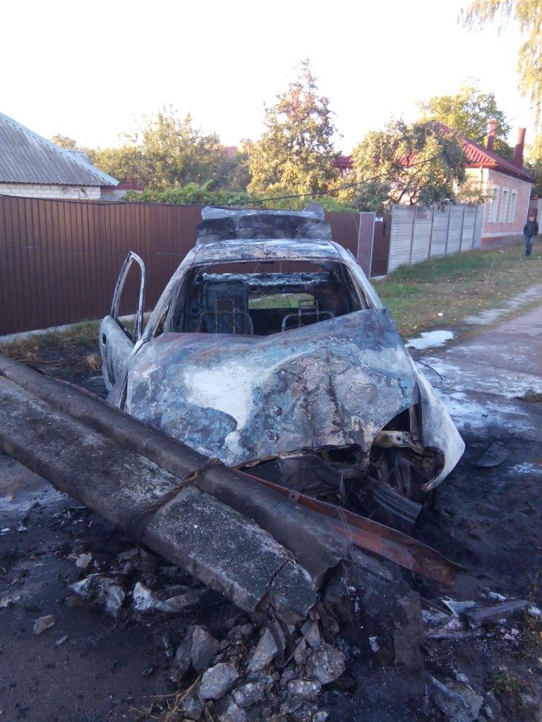 Водитель «Ланоса» в Чернигове после ДТП спасся, а его автомобиль - нет, фото-3