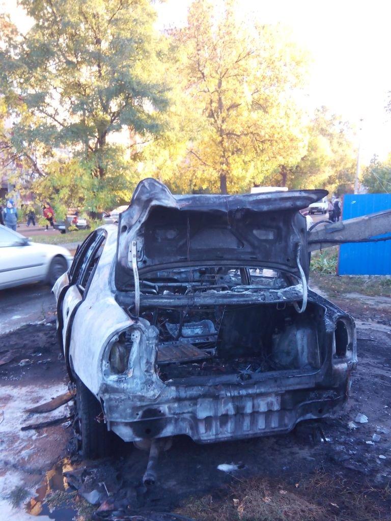 Водитель «Ланоса» в Чернигове после ДТП спасся, а его автомобиль - нет, фото-2
