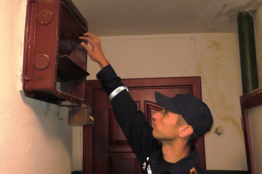 К последним этажам черниговских многоэтажек пожарные добраться не могут (фото) - фото 1