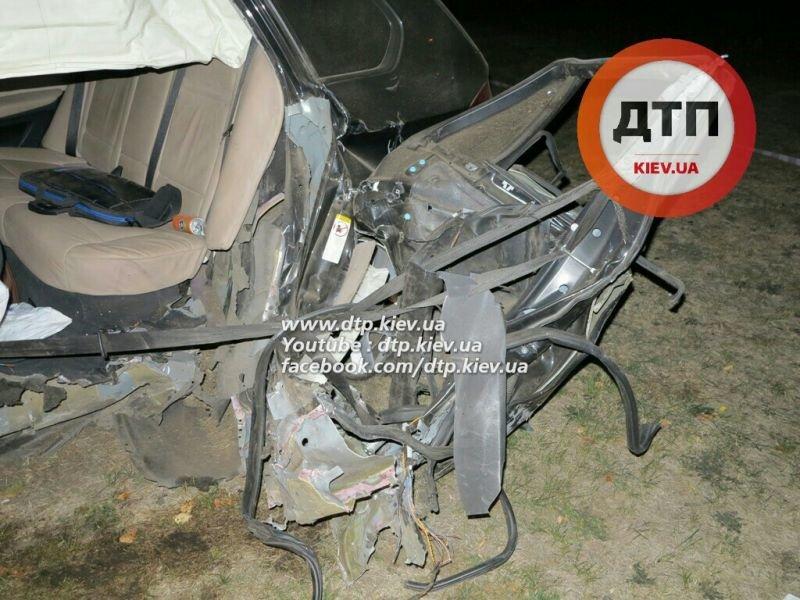 На Оболони водитель BMW X5 врезался в столб, погиб пассажир (ФОТО), фото-4