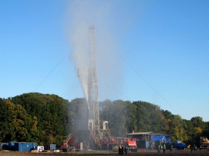 Авария на газоконденсаторной станции: фонтан газа достигал 10 метров (ФОТО) (фото) - фото 1