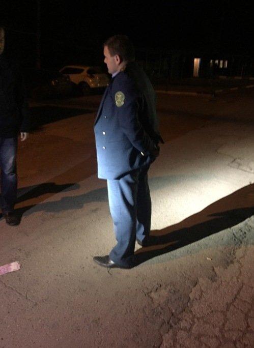 На Буковині СБУ затримала на хабарі головного інспектора митниці (фото) - фото 1