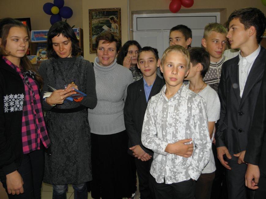 В Краматорск приезжал книжный форум на колесах (фото) - фото 7