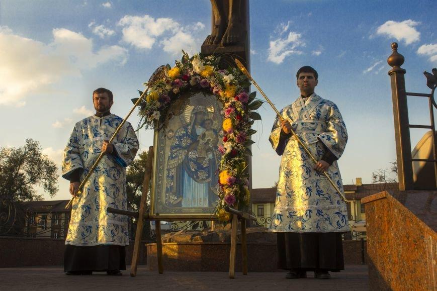 В Днепродзержинске прошел Крестный ход (фото) - фото 5