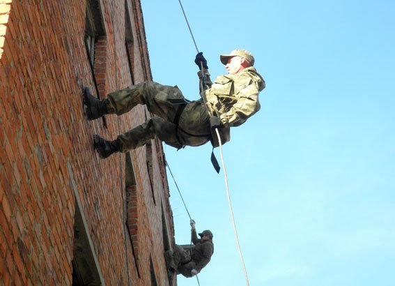 Як Полтавські правоохоронці відпрацьовували тактичні дії (ФОТО) (фото) - фото 4