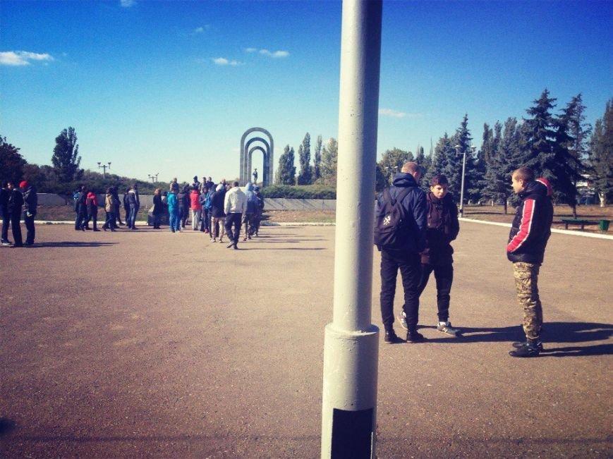 В Красноармейске состоялся патриотический марш в честь открытия центрального корпуса «АЗОВ» (фото) - фото 3