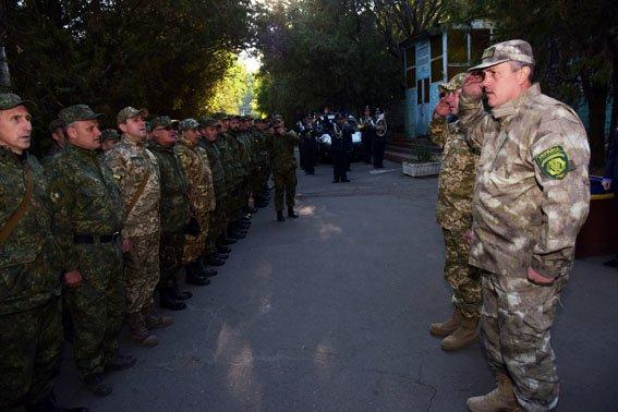 Мариуполь покинули львовские милиционеры (фото) - фото 1