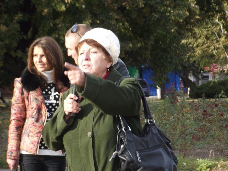 Вече: на предвыборную агитацию ходить опасно, а в магазинах хотят рассортировать российские и украинские товары. (фото) - фото 1