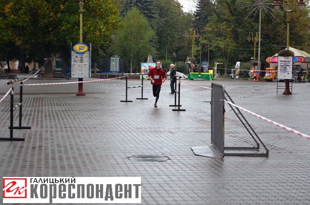 """В обласному центрі Прикарпаття відбувся """"Франківський півмарафон"""" (ФОТО), фото-1"""