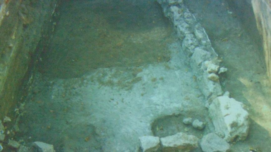 В Мариуполе откопали холодильник казаков Кальмиусской паланки времен царицы Елизаветы и следы поселения, которому 7000 лет (ФОТО) (фото) - фото 3