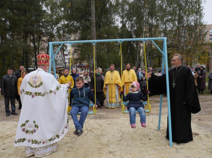 """Агрохолдинг """"МРІЯ"""" встановлює на Тернопільщині десять дитячих майданчиків (фото) - фото 7"""