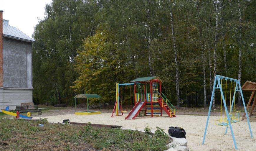 """Агрохолдинг """"МРІЯ"""" встановлює на Тернопільщині десять дитячих майданчиків (фото) - фото 2"""