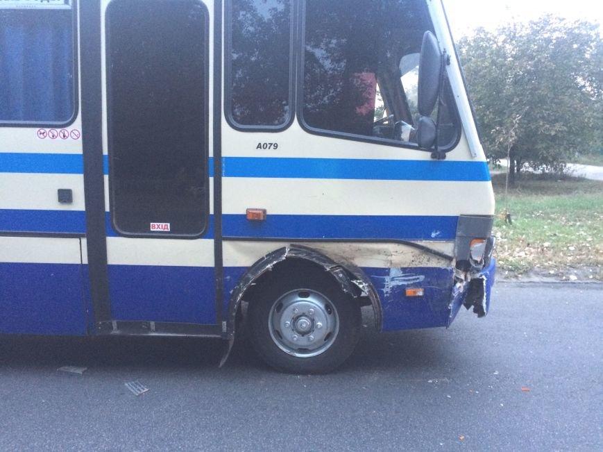 ДТП в Днепропетровске: «Жигуль» столкнулся с маршруткой (ФОТО), фото-4