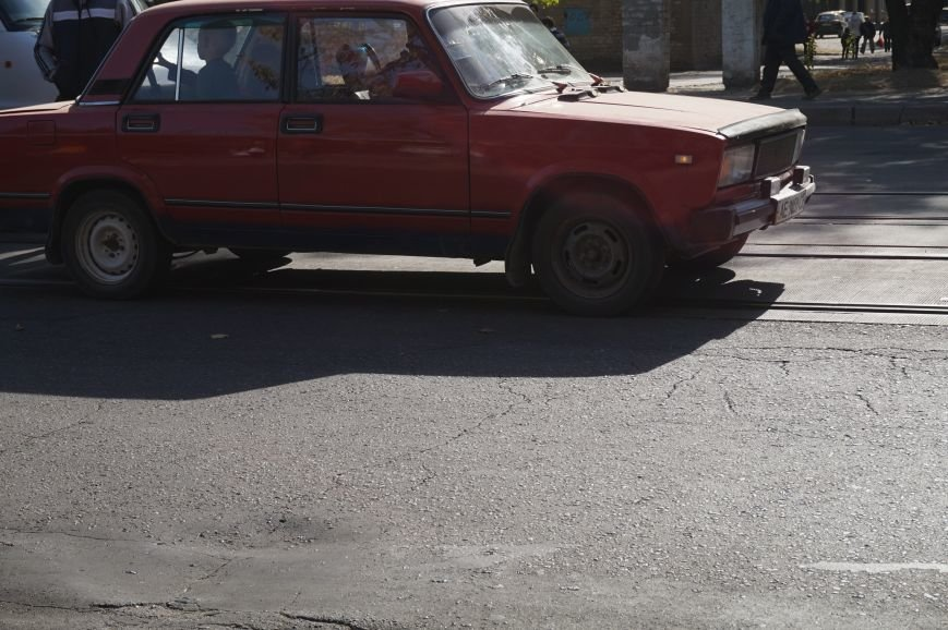 ДТП в Кривом Роге: «Жигули» столкнулись с микроавтобусом на трамвайных путях (ФОТО) (фото) - фото 3