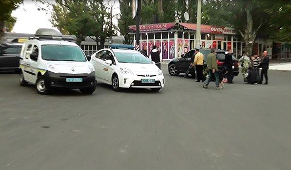 Милиция оцепила территорию возле николаевского рынка: поймали парня с боеприпасами (ФОТО+ВИДЕО) (фото) - фото 1