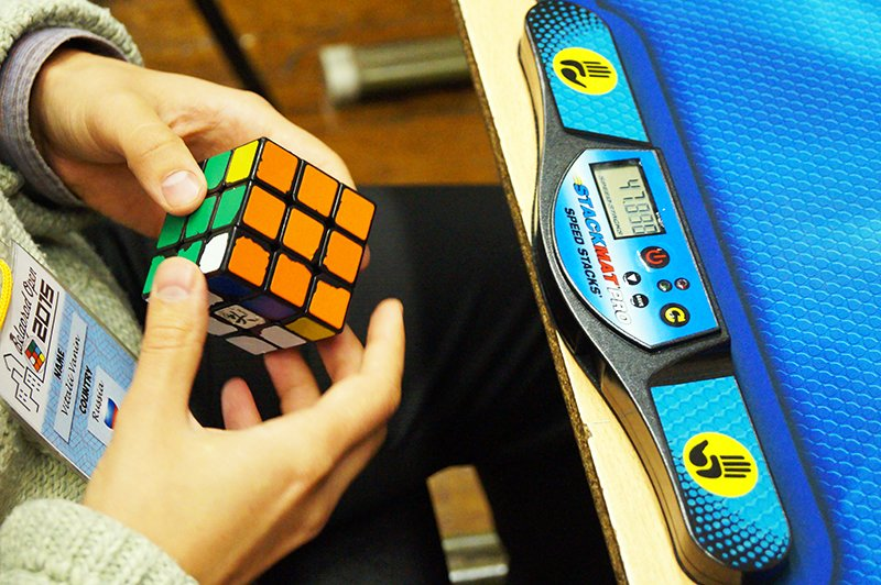 В Белгороде на чемпионате по спидкубингу собрали кубик Рубика за восемь с лишним секунд (фото) - фото 3