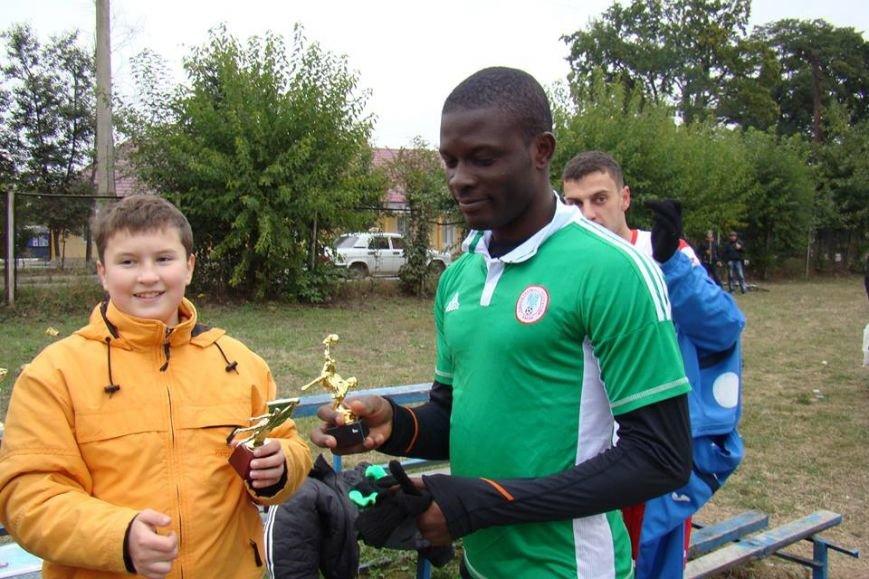 Як африканські студенти з Анголи, Нігерії та Гани грали у футбол в Опришівцях (ФОТО), фото-4