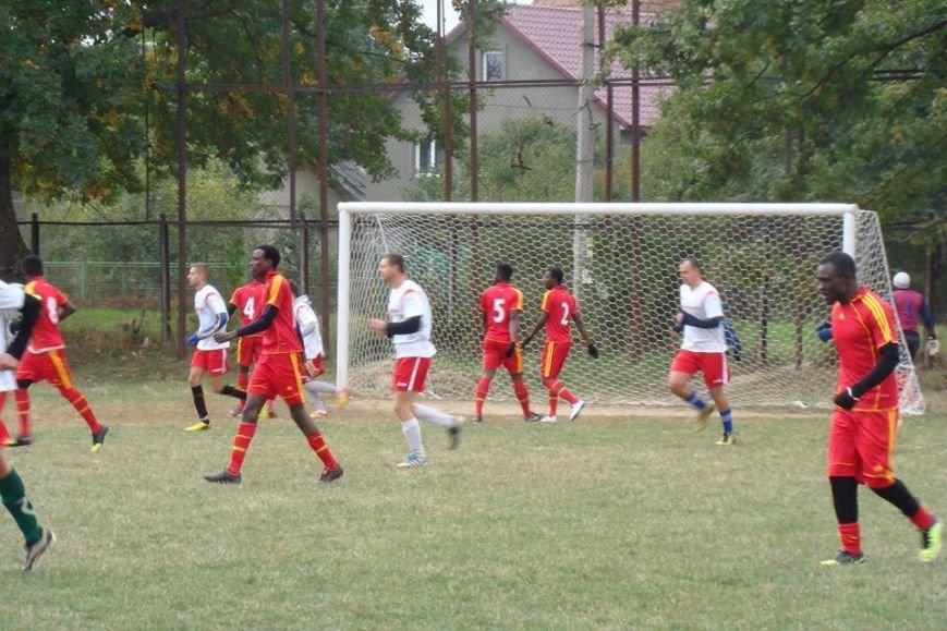 Як африканські студенти з Анголи, Нігерії та Гани грали у футбол в Опришівцях (ФОТО), фото-5
