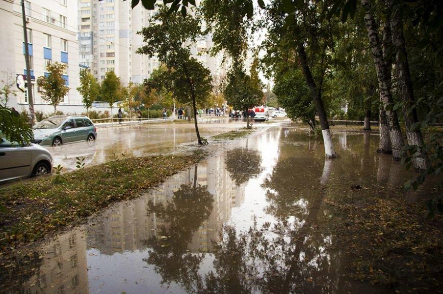 Потоп на Борщаговке: спасатели и полиция вытащили несколько застрявших автомобилистов (ФОТО), фото-1