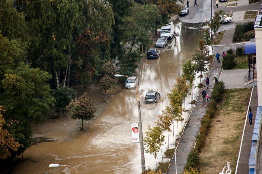 Потоп на Борщаговке: спасатели и полиция вытащили несколько застрявших автомобилистов (ФОТО), фото-5