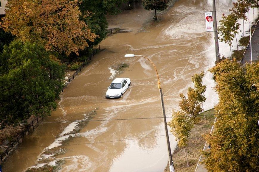 Потоп на Борщаговке: спасатели и полиция вытащили несколько застрявших автомобилистов (ФОТО), фото-3