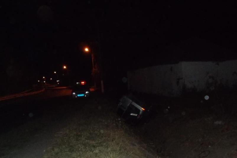 В Старом Осколе легковушка на скорости влетела в автобус (фото) - фото 1