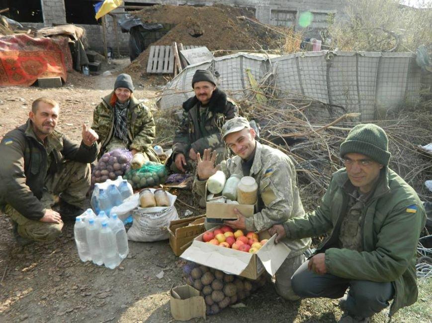 Тернопільські волонтери знову повезли допомогу бійцям АТО на передову (фото) (фото) - фото 1