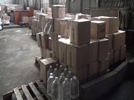 В Киеве милиция изъяла 17 тонн суррогатного спирта (ФОТО, ВИДЕО) (фото) - фото 2