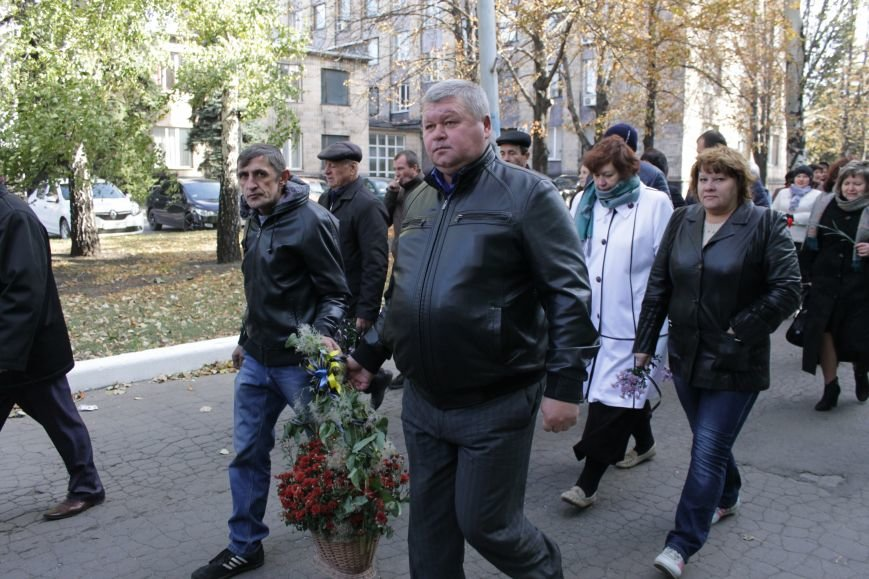 В Доброполье праздничным шествием отметили День защитника Украины (ФОТО), фото-1