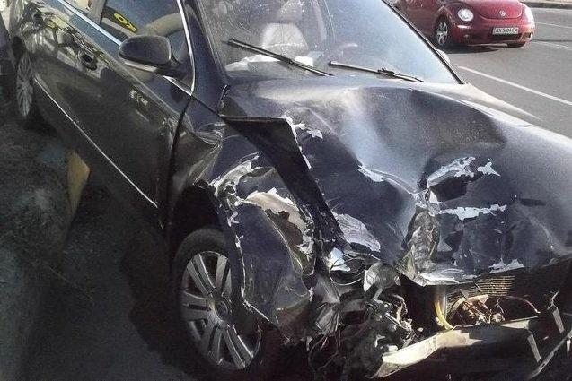 В Харькове на Салтовке произошло ДТП: четверо человек пострадали (ФОТО) (фото) - фото 1