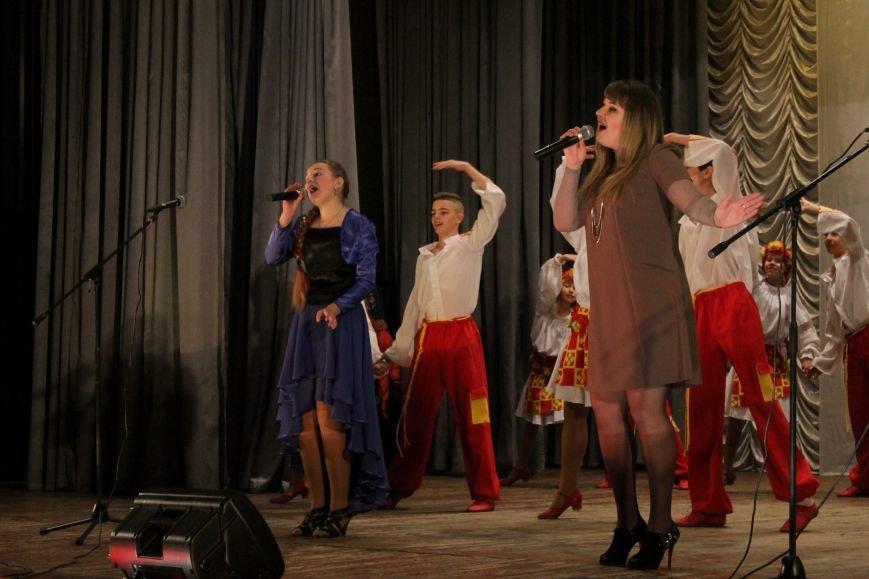 В добропольском дворце культуры состоялся большой праздничный концерт (ФОТО), фото-12