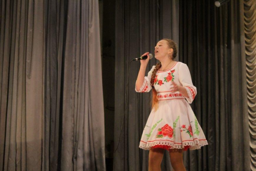 В добропольском дворце культуры состоялся большой праздничный концерт (ФОТО), фото-11