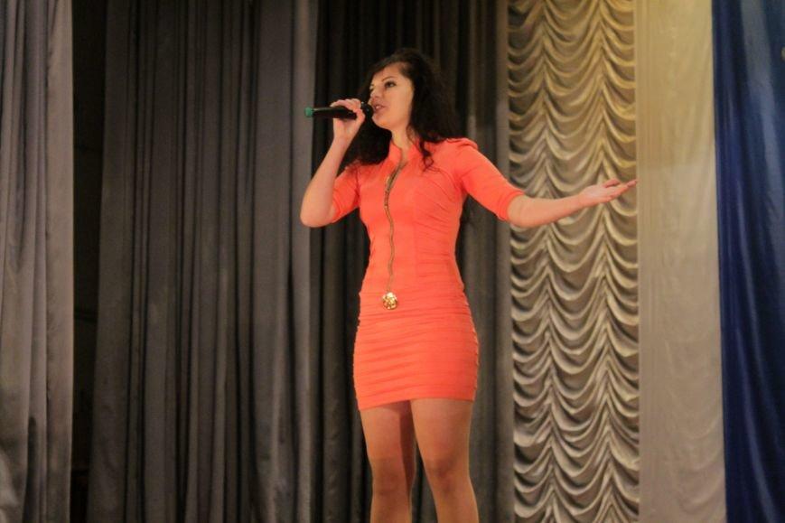 В добропольском дворце культуры состоялся большой праздничный концерт (ФОТО), фото-6