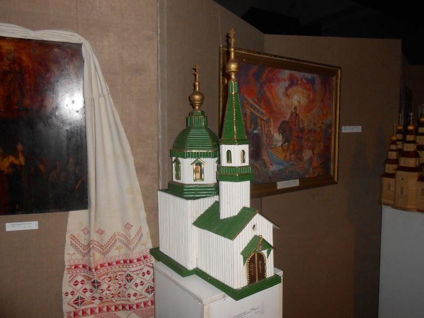 В Музее истории Днепродзержинска открылась выставка «Тiї слави козацької повік не забути!» (фото) - фото 6