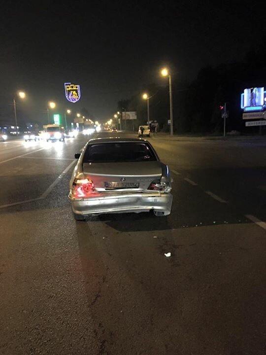 Нічна ДТП у Львові: зіштовхнулись дві автівки (ФОТО) (фото) - фото 1