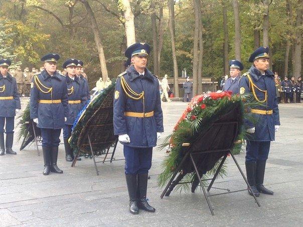 Харьковчане почтили память Защитников Украины, фото-4